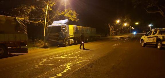 Interceptaron otros cuatro camiones con carga de soja ilegal