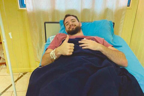 El base Pierotti, que juega en Brasil, pasó con éxito la cirugía y se rehabilitará en Misiones