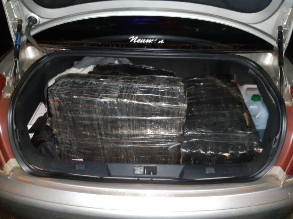 Caraguatay: interceptan un auto con 120 panes de marihuana