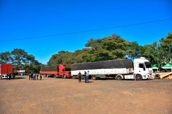 Interceptan otros dos camiones con carga ilegal de soja
