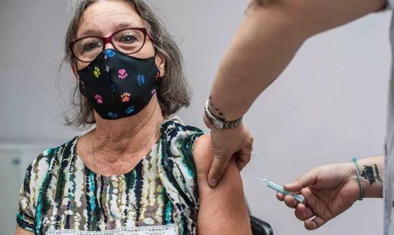 Vacuna: desde hoy la franja de 50 a 59 años puede preinscribirse a través de Alegra Med