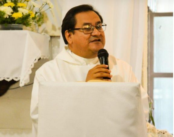 Sandro Zacarías, sacerdote y poeta