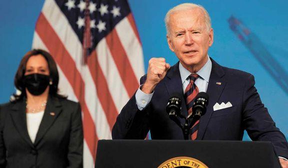 Cien días de Biden en el gobierno: rescate económico y vacunación