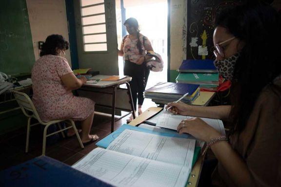 Escuelas de adultos recuperaron matrícula con la presencialidad