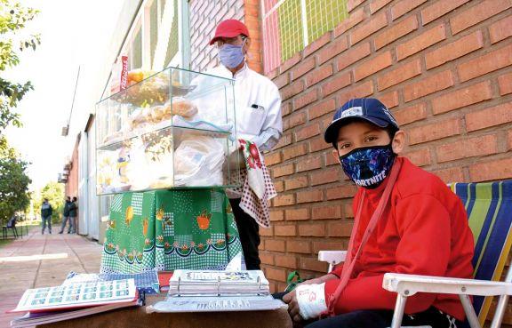 Padre e hijo le hacen frente a la adversidad de la pandemia