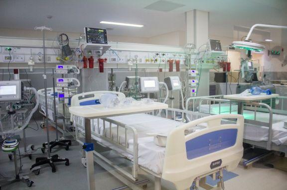 Al ala especialmente dedicada a pacientes con coronavirus fueron asignados 35 profesionales.  Foto: Macarena Bordón