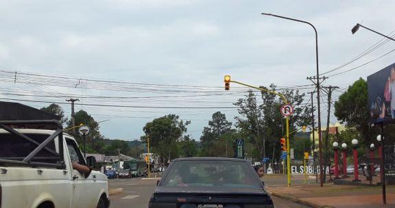 """""""Dejamos de ser pueblo"""": primer semáforo en El Soberbio"""