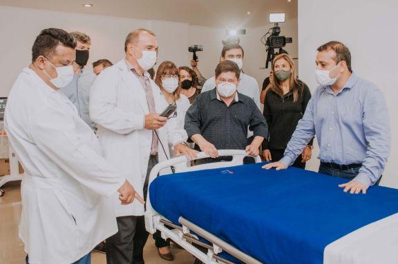 Herrera Ahuad recorrió el hospital Samic de Eldorado donde sumaron 10 camas UTI