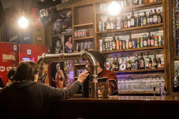 Por la cantidad de casos activos, reducen horarios de bares en Oberá