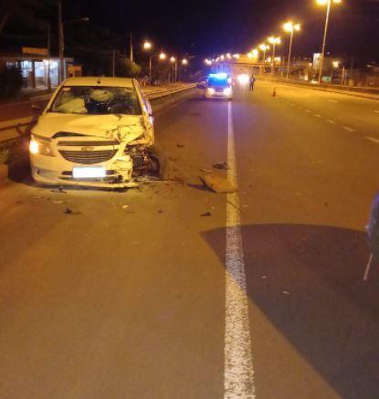 Arrojaban piedras desde un puente en Garupá y ocasionaron accidente que se cobró la vida de un hombre