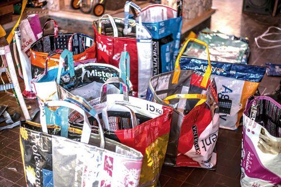 Ideó bolsas ecológicas como una forma de sobrevivir a la pandemia