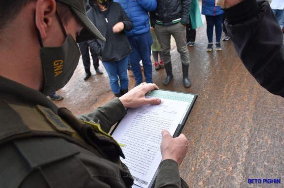 Juez ordena liberar la ruta pero los docentes autoconvocados mantienen el corte