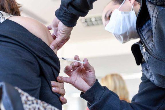 Claves de la vacuna contra la gripe, neumonía y el Covid-19