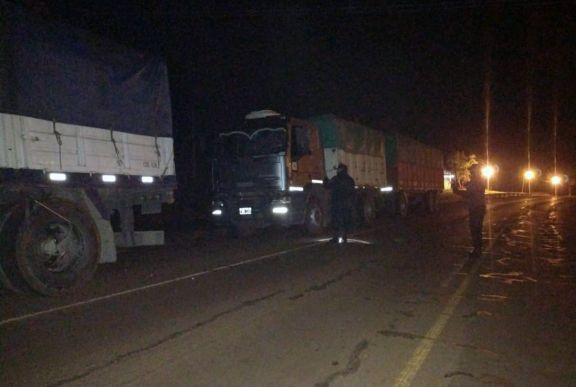Interceptan otros cuatro camiones con carga ilegal de soja