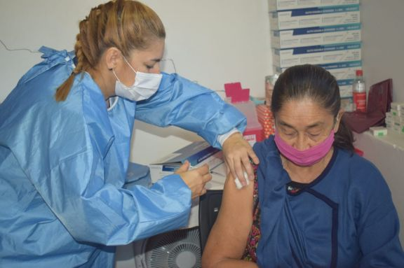 En el hospital de Jardín América crece la demanda de vacunas sin solicitud de turnos