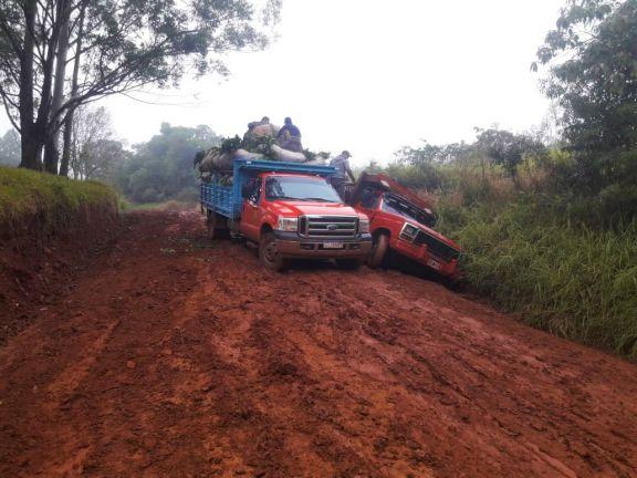 Productores solicitan reparación de la ruta provincial 16, que está intransitable