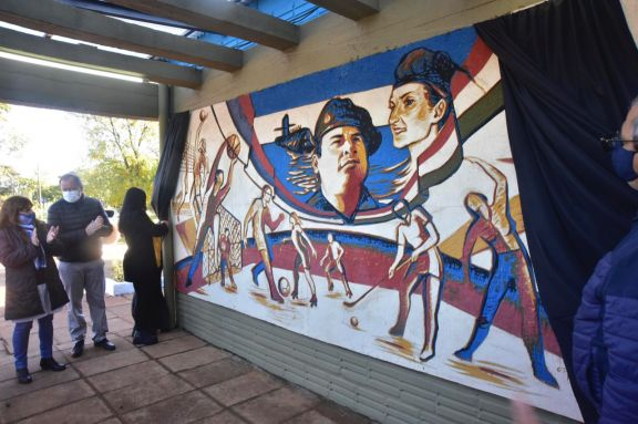 Un mural en honor al cabo Jorge Ortiz, del ARA San Juan