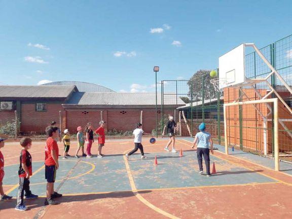 Escuela sampedrina promueve valores a través del deporte