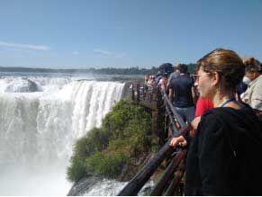 El sector turístico pide mantener feriado puente del lunes 24