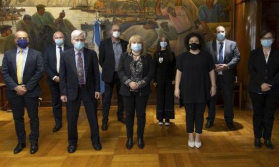 Argentina realizará los estudios fase 3 de la vacuna israelí BriLife y la producirá