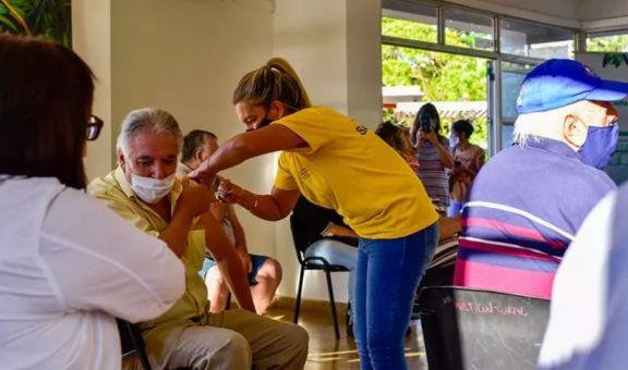 Vacuna contra el Covid-19: desde este lunes se habilitará la inscripción para personas mayores de 40 años
