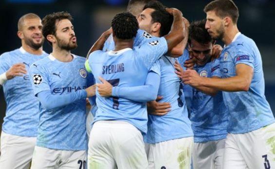 Manchester City estrenó el título con un triunfo emocionante sobre Newcastle