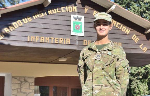 """Una misionera entre los nuevos ingresantes a la Armada: """"Me siento orgullosa de poder servir a la Patria"""""""