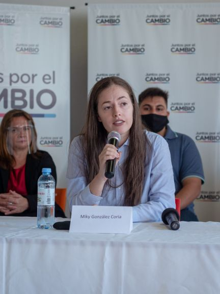 Mikaela González Coria insta a los jóvenes a involucrarse en política