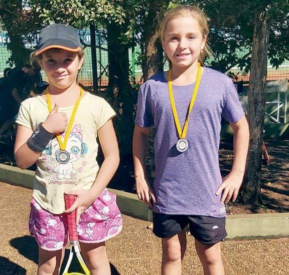 Las escuelas locales de tenis tuvieron su primer encuentro en el club Itapúa