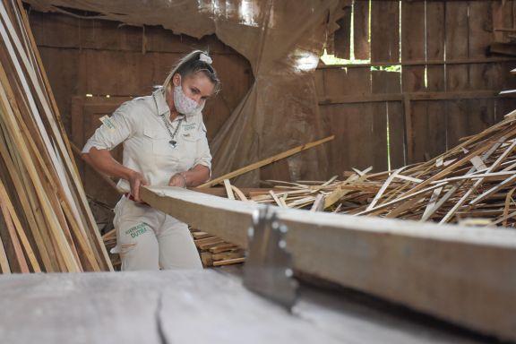 Rosalía Dutra apuesta a romper el techo de cristal en el rubro maderero