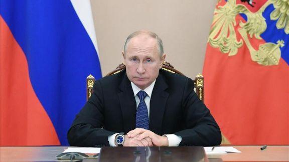 Putin anunció envíos regulares a la Argentina de vacunas Sputnik V