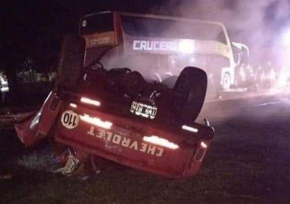 Virasoro: accidente entre micro que salió de Posadas y una camioneta dejó una persona fallecida