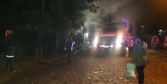 Se incendiaron dos casas en Itaembé Miní cuando estaban por dormir