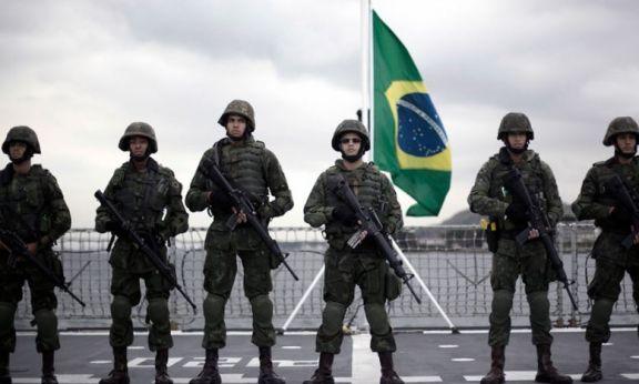 Bolsonaro usó al ejército para repartir remedios no recomendados por expertos para Covid