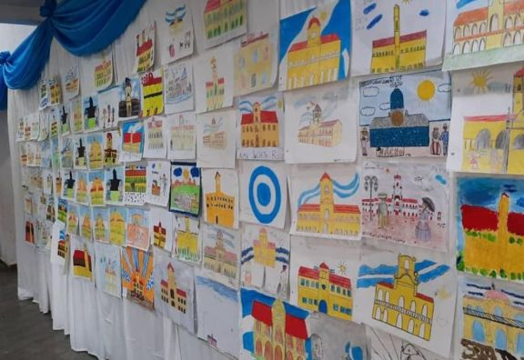 Alumnos de la Escuela N°434 de Colonia Cuatro Bocas ganaron concurso Dibujando la Revolución de Mayo