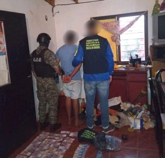 Cuatro detenidos tras procedimiento en kiosco narco en Garupá
