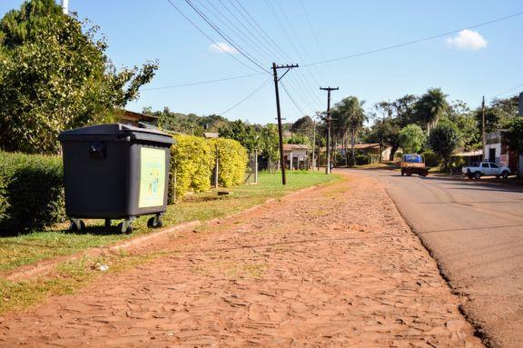 Montecarlo incorpora 100 nuevos contenedores de basura