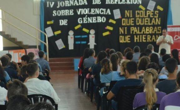 """Wanda: el Instituto de Estudios Superiores """"De las Misiones"""" visibiliza la violencia de género en la zona Norte"""