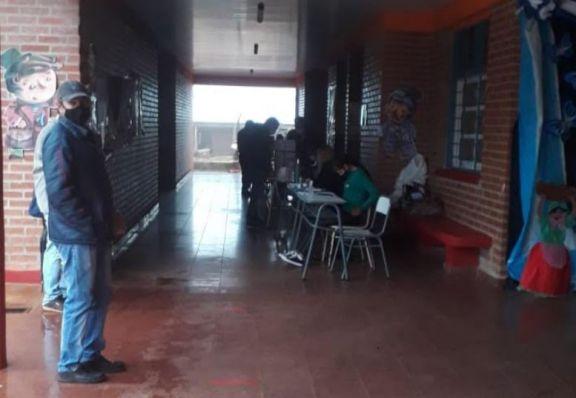 Sin energía y bajo lluvia, deben acercarse a votar más de 18 mil sampedrinos