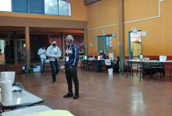 Montecarlo: sin contratiempos, se dio la apertura de mesas para las elecciones de este domingo