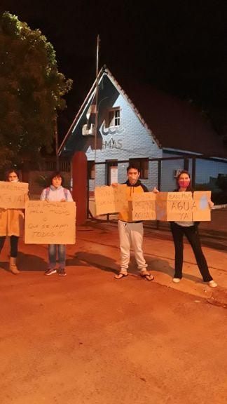 Cansados de esperar soluciones volvieron a manifestarse frente a IMAS