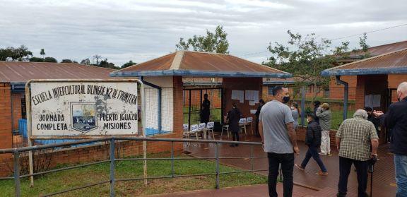 Pese a las inclemencias del tiempo en Iguazú votó cerca del 60 por ciento de padrón