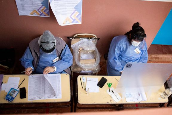 La Cámara Nacional Electoral pidió que se vacune a las autoridades de mesa