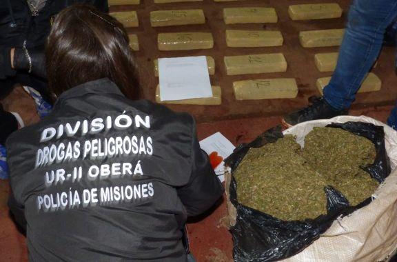 Secuestran un auto cargado con marihuana en la ciudad de Oberá
