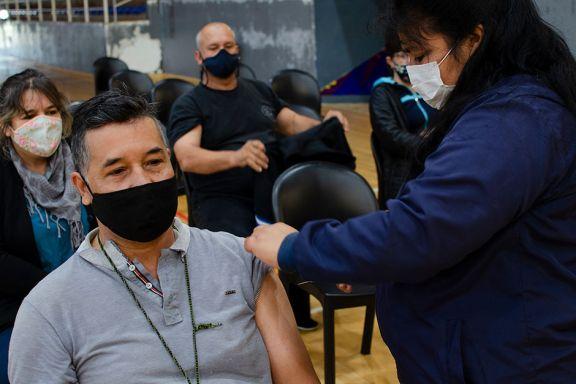 Vacunarán ahora a los trabajadores de comercio