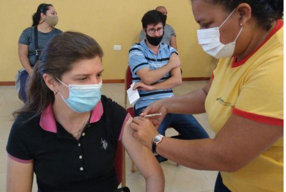Vacunación: los trabajadores de turismo de Iguazú pasaron a ser población objetivo