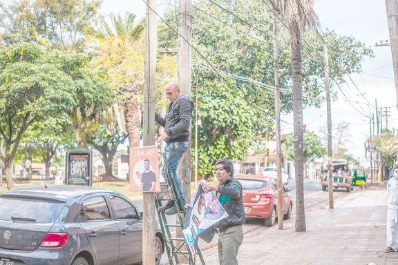 En Misiones comienzan a retirar toda la cartelería de la campaña
