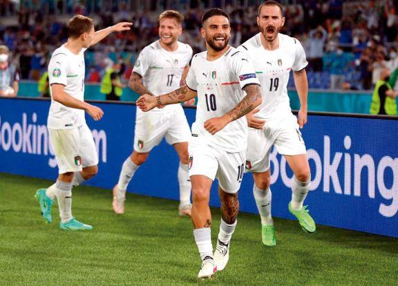 Italia se floreó en el inicio de una Euro que tendrá público en los estadios