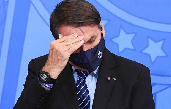 """""""¡Genocida!"""": pasajeros increparon a Bolsonaro arriba de un avión"""
