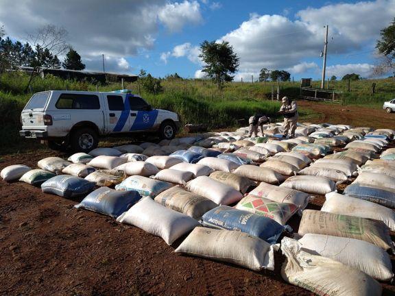 El Soberbio: Prefectura secuestró más de ocho toneladas de granos ilegales